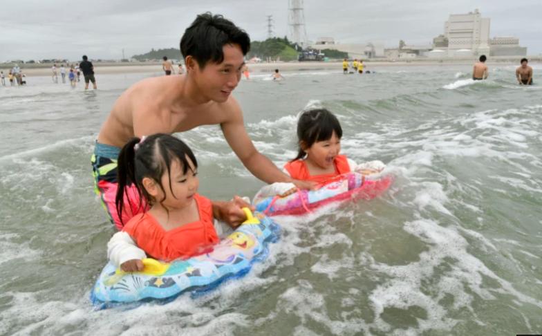 福岛海滩自2011年核灾难以来首次重新开放