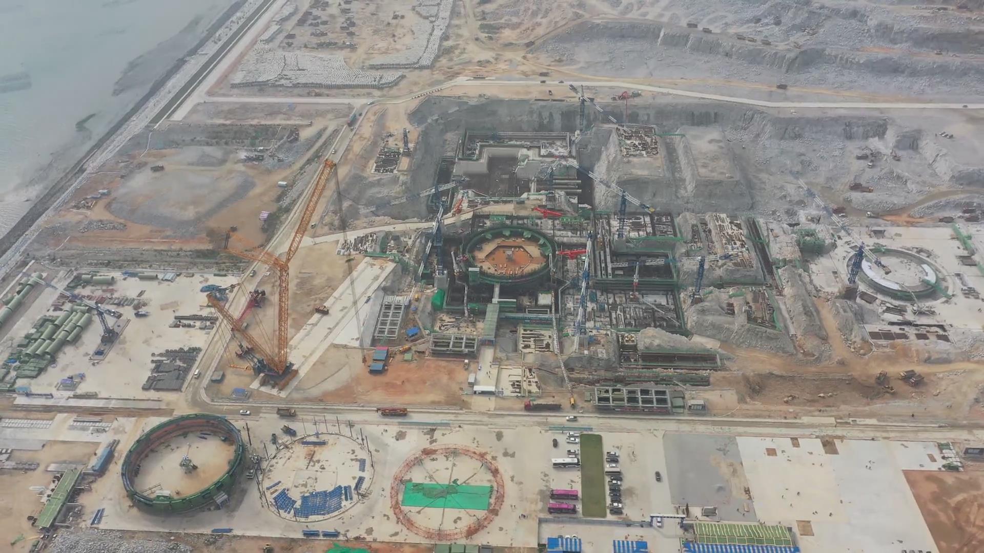 中核集團全球在建第5臺華龍一號機組鋼襯里模塊吊裝視頻